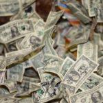 【お金の不安が病気を生む】浪費でストレスをためるより自己投資で不安解消!image